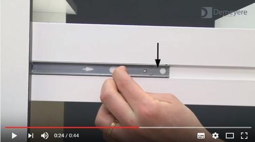 Montage de tiroir avec coulisses à billes